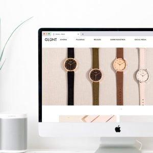 montaje Web en pantalla de iMac